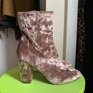 Nasty Gal Tibby boot in Pink Velvet, Size 9.5